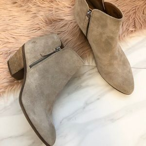 New Frye Judith ankle booties size 10m